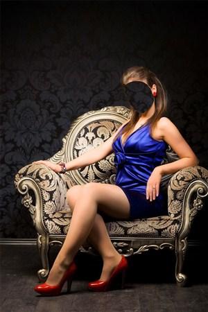Красивые девушки на кресле фото 746-977